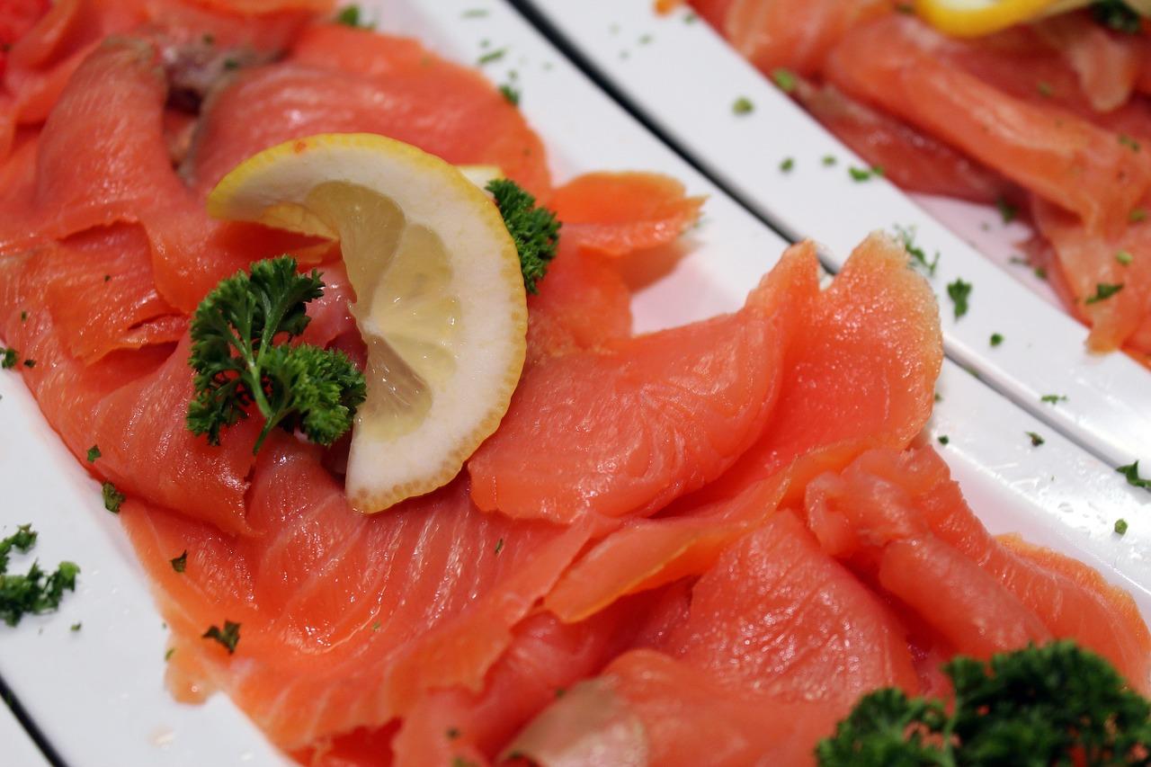 鮭はスーパーフード!アスタキサンチンとDHAで最強シナジー効果