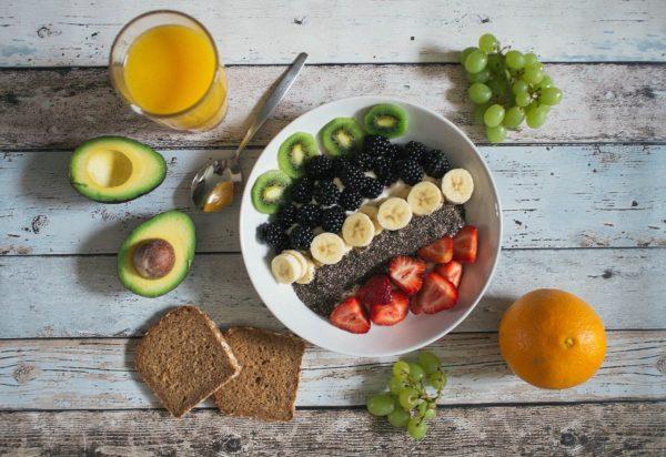 老化を遅らせ健康で若さと美肌を保つために効果的な食べ物とは