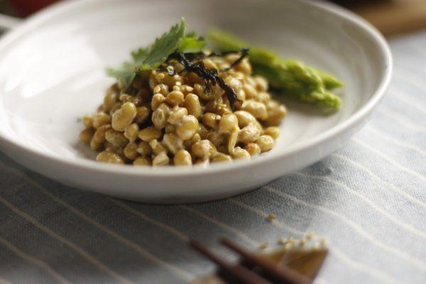 遺伝子組み換えでない体に安心で納豆本来の栄養効果のある納豆の選び方